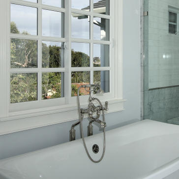 Rohl U 3520l 1 Perrin Amp Rowe Exposed Floor Mount Tub Filler With Handshower Qualitybath Com