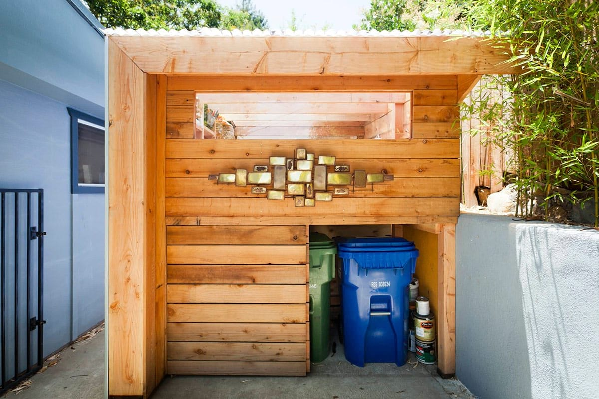 Attractive Outdoor Garbage Can Storage