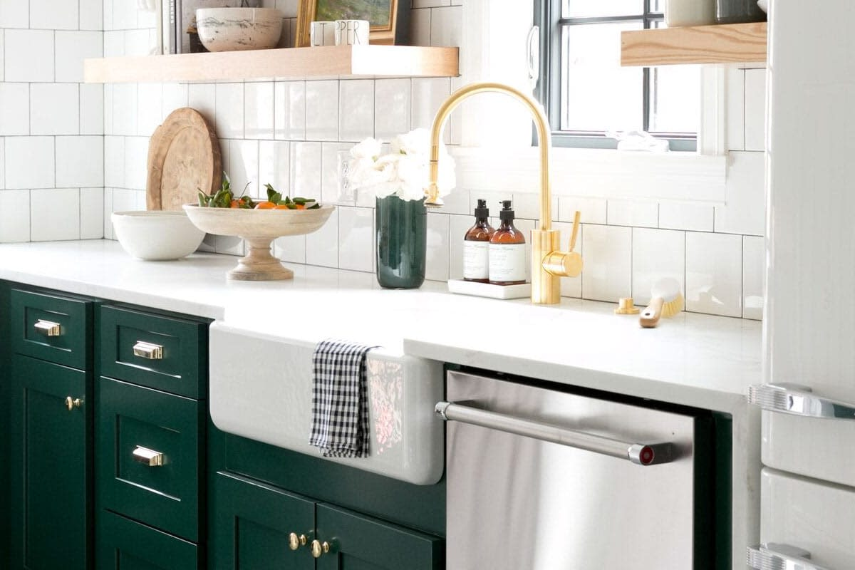 Perfect Farmhouse Sinks: Everything You Need to Know | QualityBath.com  GK31