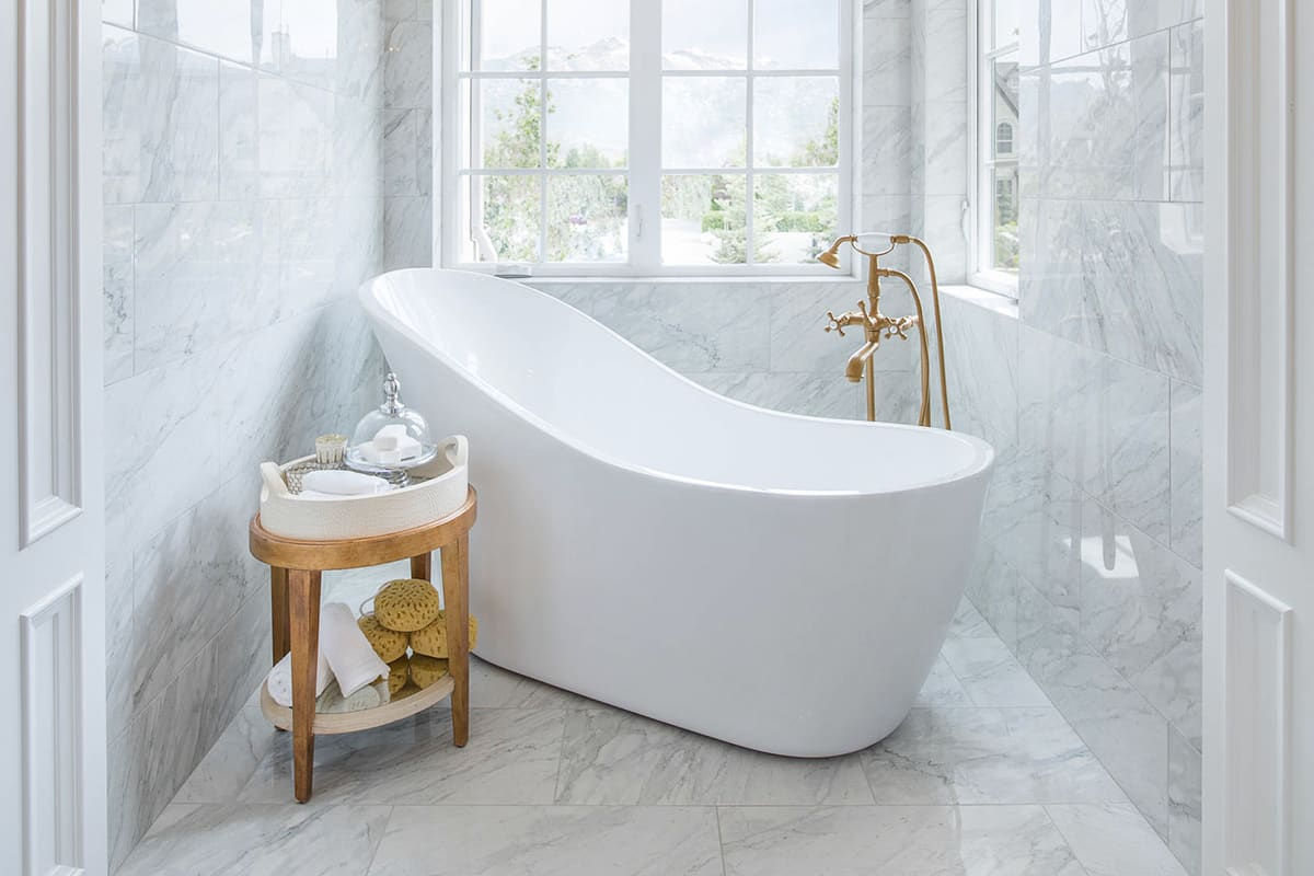 Slipper Tubs: Everything You Need to Know | QualityBath.com Discover