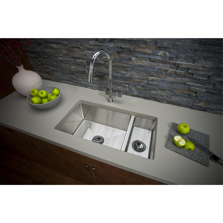 Elkay Efru321910t Crosstown 32 1 4 Kitchen Sink Qualitybath Com